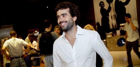 """Da montagem para a direção, conheça a trajetória de Marcelo Mesquita, diretor de """"Cidade Cinza"""""""