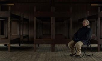 """Estreia """"Sobrevivi ao Holocausto"""", documentário que leva um dos sobreviventes da Alemanha nazista de volta aos locais onde viveu durante a Guerra"""