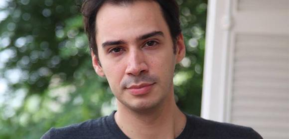 Daniel Ribeiro se destaca precocemente no cinema ao explorar a temática LGBT
