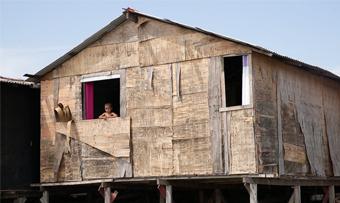 Documentário mostra como a Instituição Arte no Dique transformou a maior favela de palafitas do Brasil