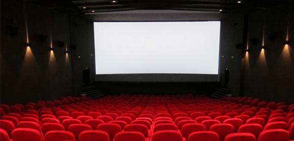 Projeto leva educadores e alunos de graça ao cinema